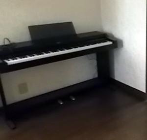 沖縄市の1軒家で電子ピアノ回収の写真