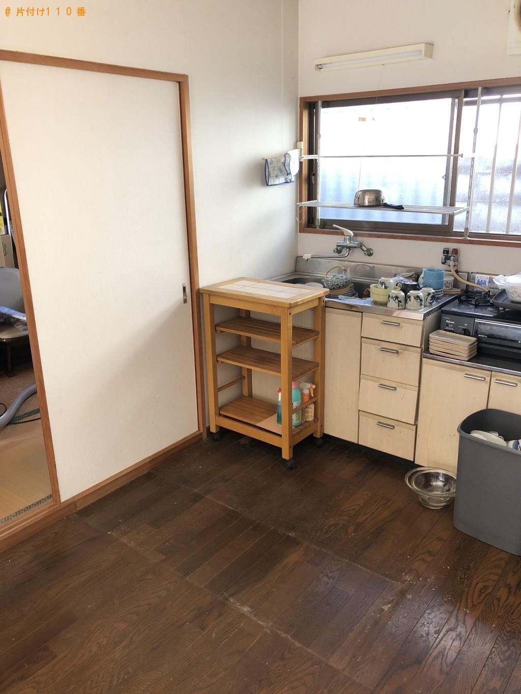 【那覇市】婚礼ダンス、食器棚、4人用ダイニングテーブル等の回収