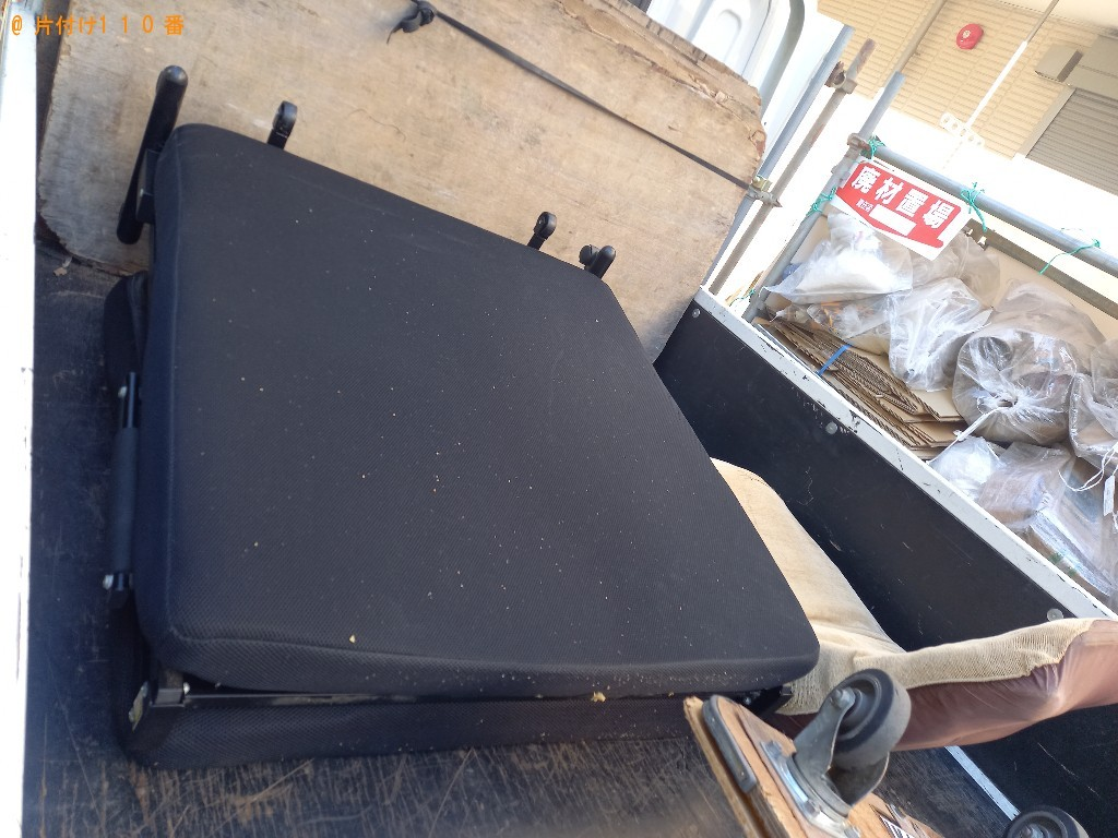 【那覇市】マットレス付きシングルベッド、椅子の回収・処分ご依頼